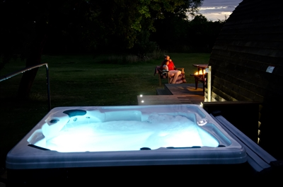 Hot tub in the evening